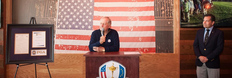 Jack-Nicklaus-PGA-award.jpg